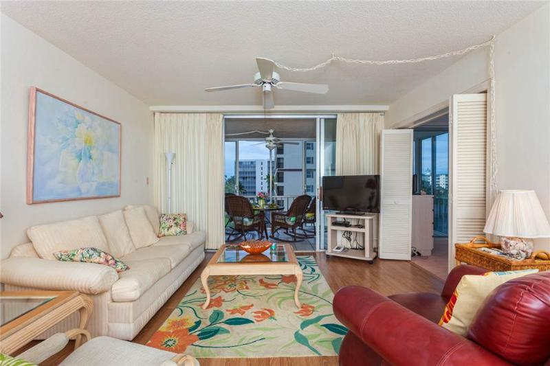 Creciente 415, 2 Bedroom, Gulf Front, Elevator, Heated Pool, Sleeps 4 - Image 1 - Fort Myers Beach - rentals