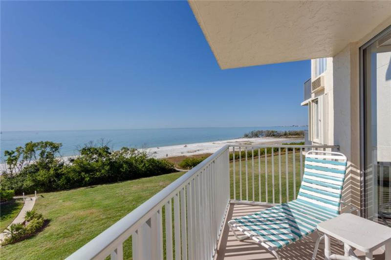 Estero Beach & Tennis 305C, 1 Bedroom, Elevator, Heated Pool, Sleeps 4 - Image 1 - Fort Myers Beach - rentals