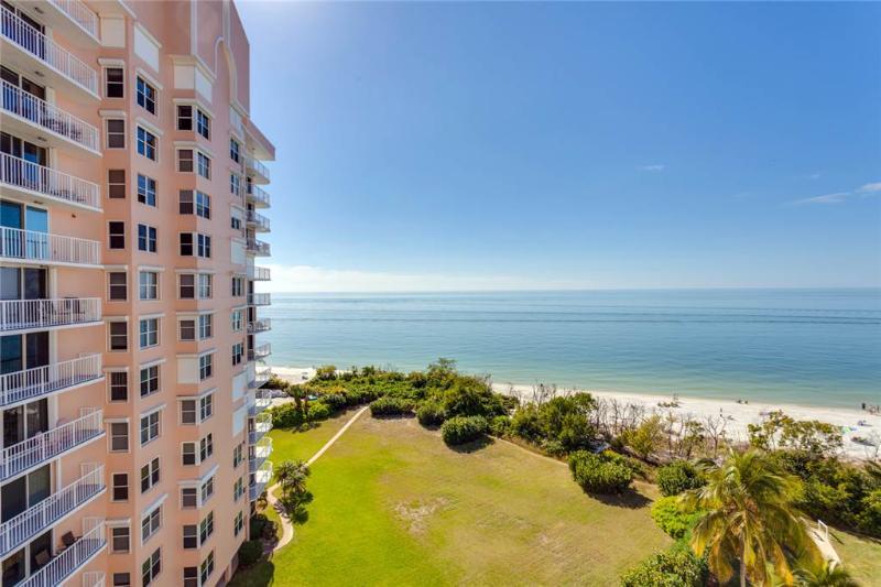 Estero Beach & Tennis 803C, 1 Bedroom, Elevator, Heated Pool, Sleeps 4 - Image 1 - Fort Myers Beach - rentals