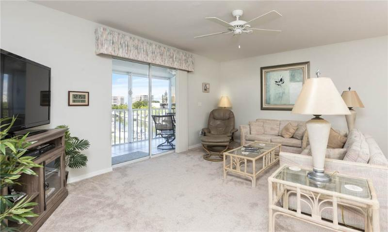 Royal Pelican 381, 2 Bedrooms, Canal View, Elevator, Heated Pool, Sleeps 6 - Image 1 - Fort Myers Beach - rentals