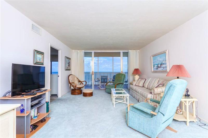 Sun Caper 807, 2 Bedrooms, Gulf Front, Elevator, Heated Pool, Sleeps 6 - Image 1 - Fort Myers Beach - rentals