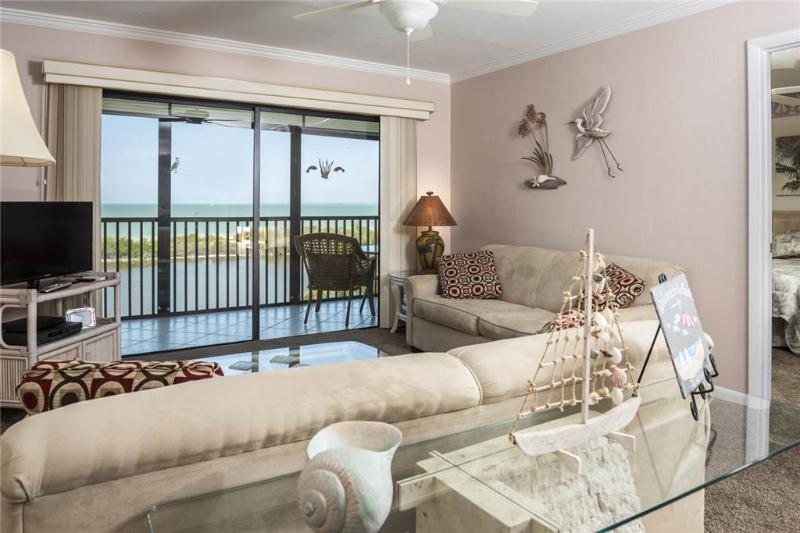 Terra Mar 502, 2 Bedroom, Gulf Front, Elevator, Heated Pool, Sleeps 6 - Image 1 - Fort Myers Beach - rentals