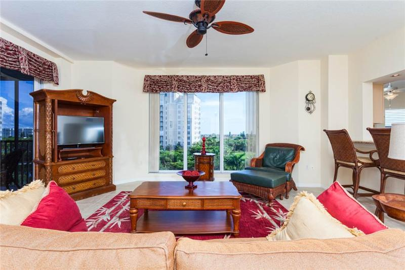 Waterside 246, 3 Bedrooms, 4th Floor, Elevator, Heated Pool, Gym, Sleeps 6 - Image 1 - Fort Myers Beach - rentals