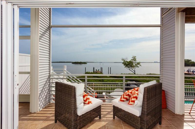 Paradise Bay Villa, 3 Bedrooms, Heated Pool, Boat Dock, WiFi, Sleeps 8 - Image 1 - Fort Myers Beach - rentals