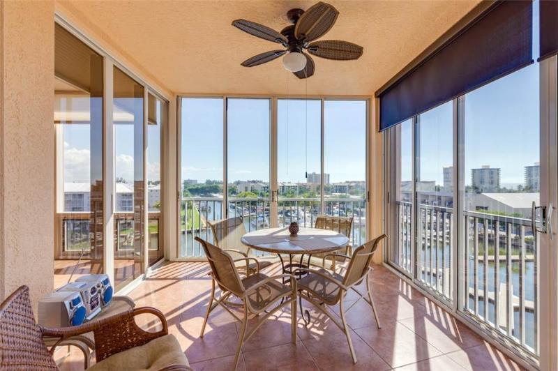 Palm Harbor 604E, 3 Bedrooms, Elevator, Pool, Hot Tub, WiFi, Sleeps 6 - Image 1 - Fort Myers Beach - rentals