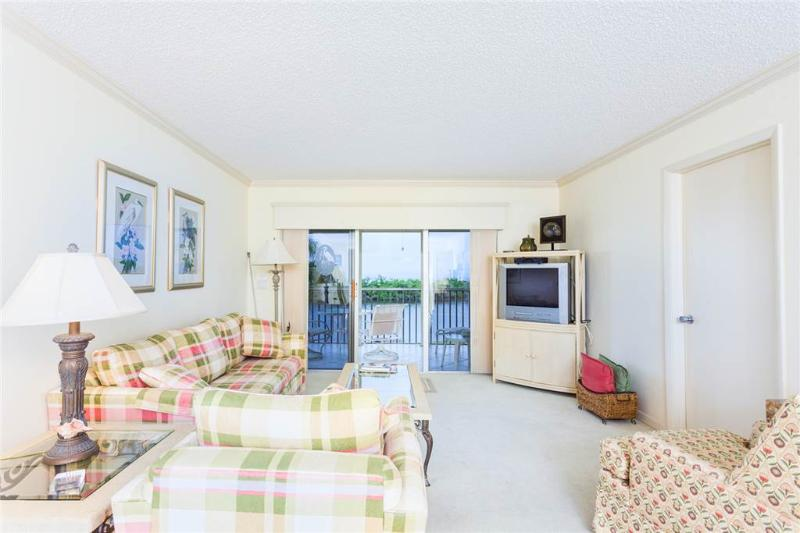 Sand Caper 206, 2 Bedroom, Gulf Front, Elevator, Heated Pool, Sleeps 4 - Image 1 - Fort Myers Beach - rentals