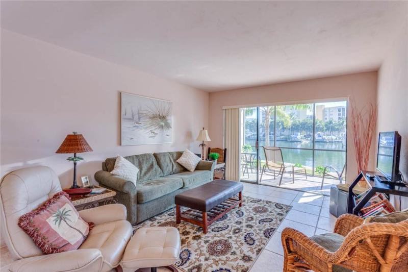 Estero Yacht & Racquet 117, 1 Bedroom, Canal View, Heated Pool, Sleeps 4 - Image 1 - Fort Myers Beach - rentals
