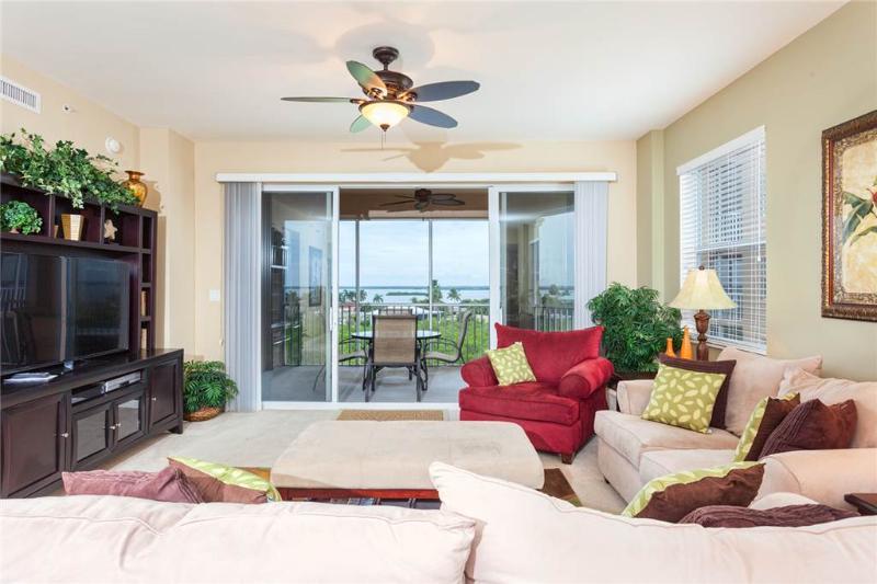 Estero Bay 505, 3 bedrooms, Elevator, Heated Pool, Tennis, Sleeps 7 - Image 1 - Fort Myers Beach - rentals
