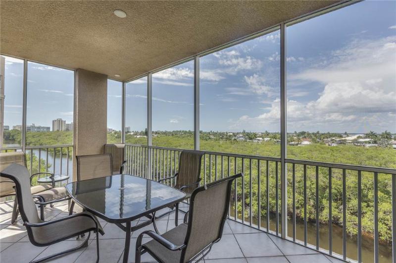 Estero Bay 401, 3 bedrooms, Elevator, Heated Pool, Tennis, Sleeps 6 - Image 1 - Fort Myers Beach - rentals