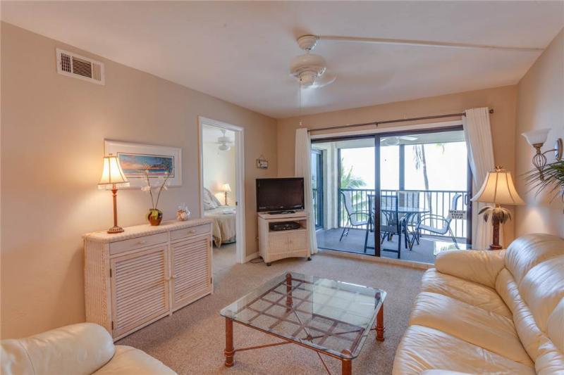 Seaside 204, 2 Bedrooms, Gulf Front, Elevator, Heated Pool, Sleeps 4 - Image 1 - Fort Myers Beach - rentals