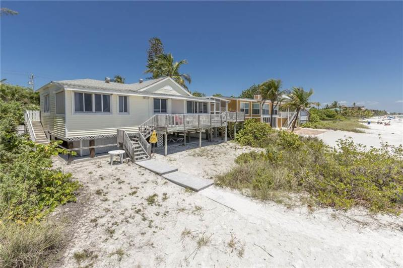 Estero Beach House, 3 Bedrooms, Gulf Front, WiFi, Sleeps 8 - Image 1 - Fort Myers Beach - rentals