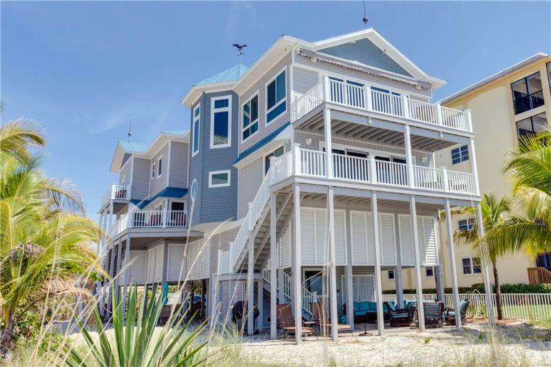 Southern Dream, 9 bedrooms, Gulf Front, Elevator, Heated Pool, Sleeps 18 - Image 1 - Fort Myers Beach - rentals