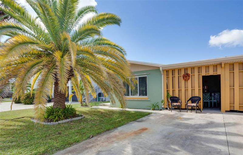Hanyo Hideaway, 2 Bedrooms, Located on Canal, Sleeps 4 - Image 1 - Fort Myers Beach - rentals