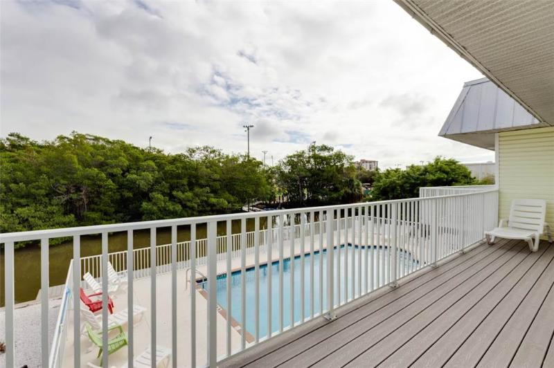 Tropical Shores Upper Level, 4 Bedroom, Private Heated Pool, Sleeps 12 - Image 1 - Fort Myers Beach - rentals