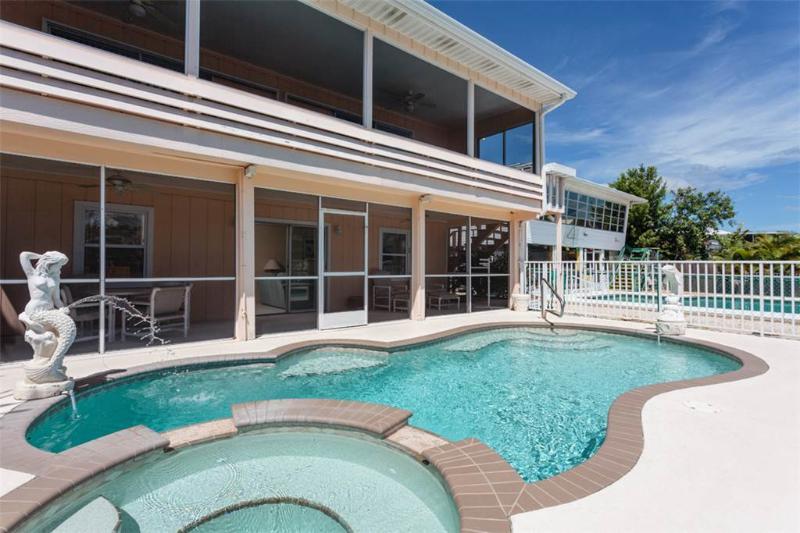 Primo Pool Home Lower, 2 Bedrooms, Pool, Sleeps 6 - Image 1 - Fort Myers Beach - rentals