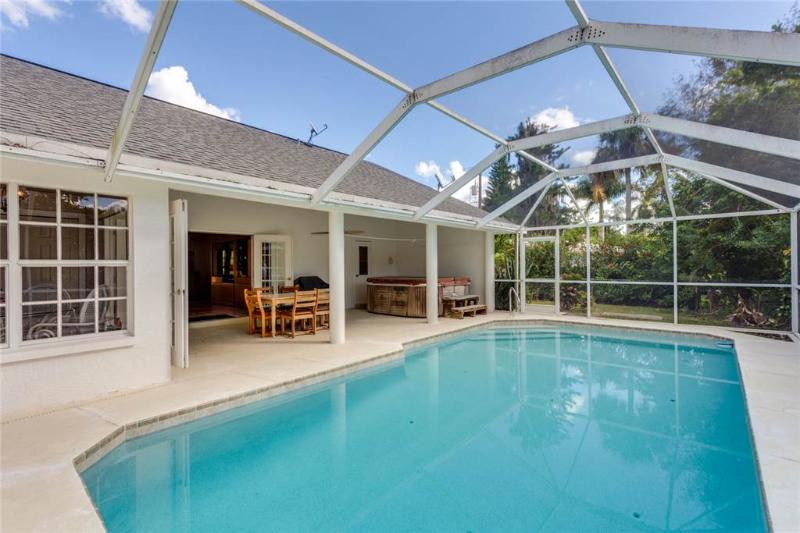Quiet Retreat, 3 Bedrooms, Heated Private Pool, Sleeps 6 - Image 1 - Fort Myers - rentals