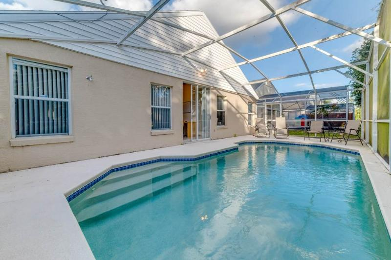 Chatham Park, 3 Bedrooms, Private Screened Pool, WiFi, Sleeps 8 - Image 1 - Florida - rentals