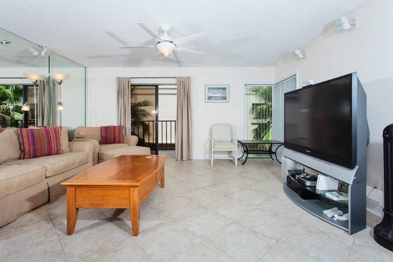 Beachcomber 301, 2 Bedrooms, Near Mayo Clinic, Pool, Sleeps 4 - Image 1 - Jacksonville Beach - rentals