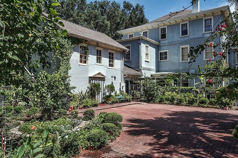 Garden Cottage Upper, Studio, Historic St Augustine, Sleeps 2 - Image 1 - Saint Augustine - rentals