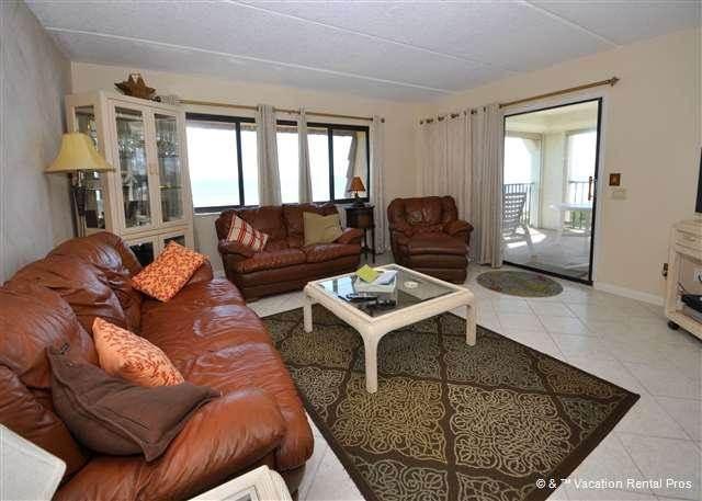 Windjammer 412, 3 Bedrooms, 4th Floor, Ocean Front, Elevator, Sleeps 7 - Image 1 - Saint Augustine - rentals