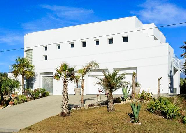 Seascape, 4 Bedrooms, Ocean Front, Wireless Internet, Sleeps 8 - Image 1 - Flagler Beach - rentals