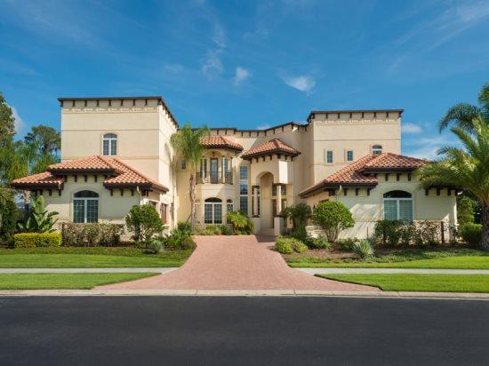 7 Bedroom Signature Estate Vacation Home Overlooking Moon Lake. 7905SPC - Image 1 - Orlando - rentals