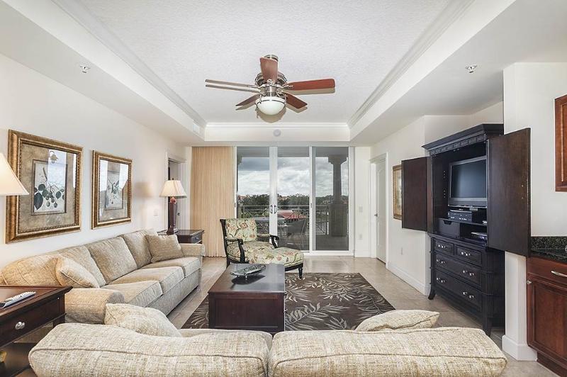 Yacht Harbor 462, 3 Bedrooms, Intracoastal View, Pool, WiFi, Sleeps 6 - Image 1 - Palm Coast - rentals
