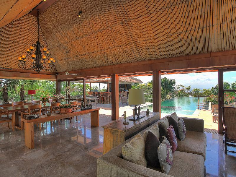 Indah Manis - Living & dining rooms plus pool view - Bulan Madu - an elite haven - Bukit - rentals