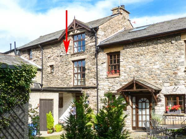 THE OLD STABLES, pet-friendly, WiFi, en-suite, in Kirkby Lonsdale, Ref 929454 - Image 1 - Kirkby Lonsdale - rentals