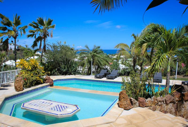 Four Island view with Five Star surroundings - Image 1 - Orient Bay - rentals