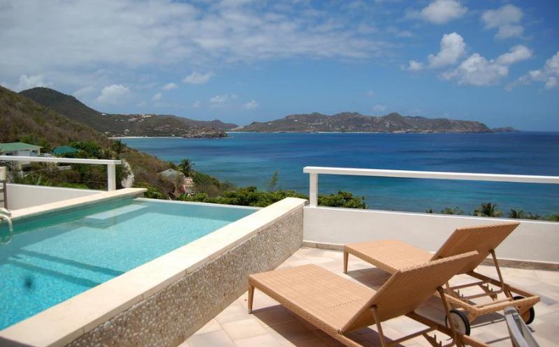 Bedrooms that overlook the Sea - Image 1 - Pointe Milou - rentals