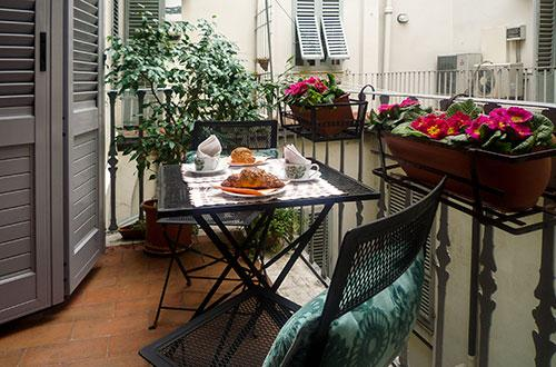Perfect Historic Center Location-Balcony-Quiet-Walk Everywhere-Elevator-Strozzi - Image 1 - Florence - rentals
