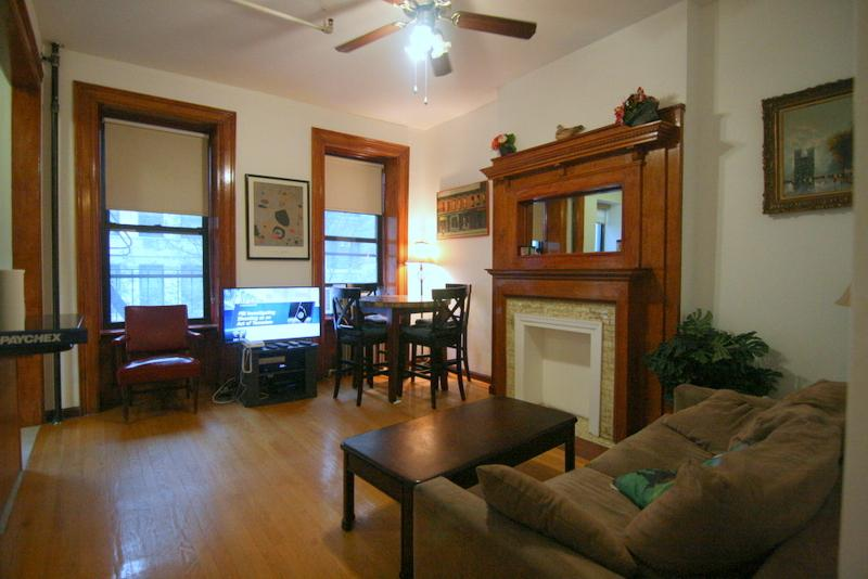 living room sun light - TWO BEDROOM FULLY FURNISHED UPPER WEST SIDE - Manhattan - rentals