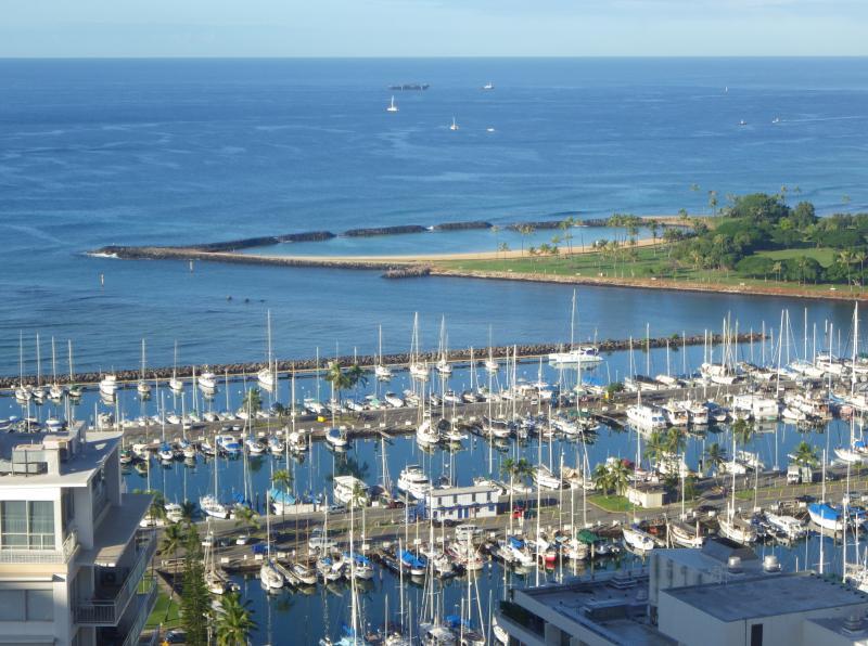 Harbor view - 2BR w/Ocean, Diamond Head, Sunset, Firework views! - Honolulu - rentals