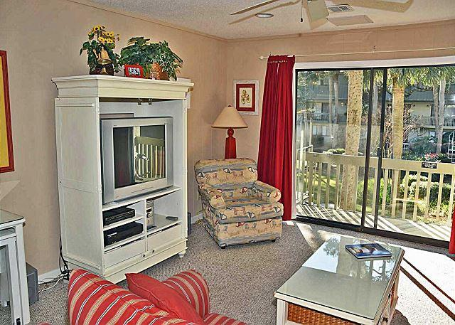 Surf Court 63 - Forest Beach Townhouse - New King Beds in 2016. - Image 1 - Hilton Head - rentals