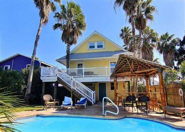 3 bedroom/ 2 bath and cute as can be!! - Image 1 - Port Aransas - rentals