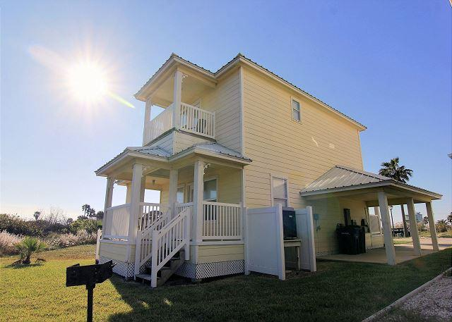 Newer 2 bedroom 2 bath home in the gated Bella Vista Community! - Image 1 - Port Aransas - rentals