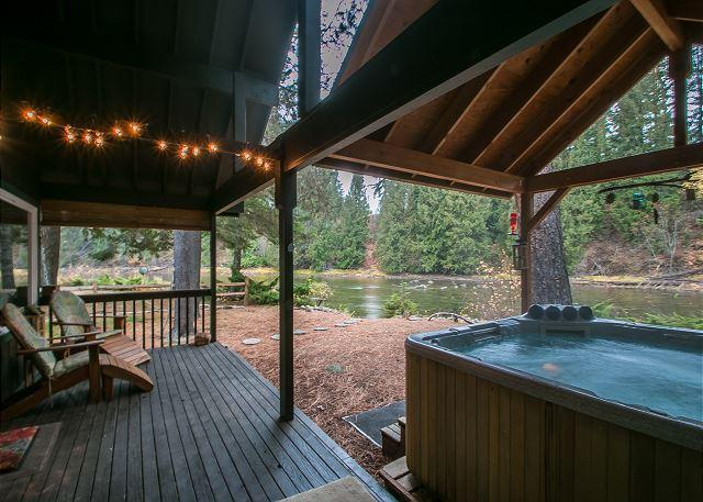 """Serendipity"" awaits you on the Wenatchee River, Private Hot Tub and Wi-Fi - Image 1 - Plain - rentals"