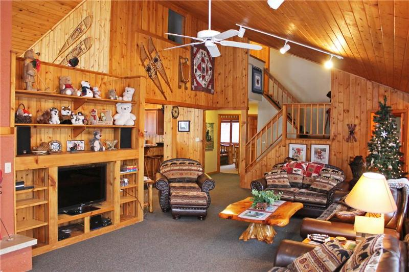 Located at Base of Powderhorn Mtn in the Western Upper Peninsula, A Large Trailside Home with Indoor Hot Tub & Sauna - Image 1 - Bessemer - rentals