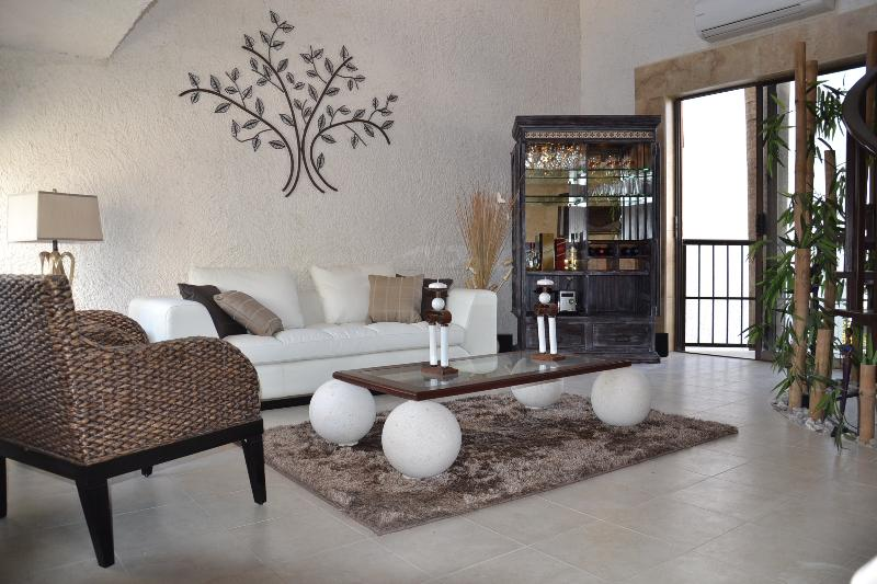 Living room - Cancun - Amazing!!! Luxury Villa - Hotel Zone - Cancun - rentals