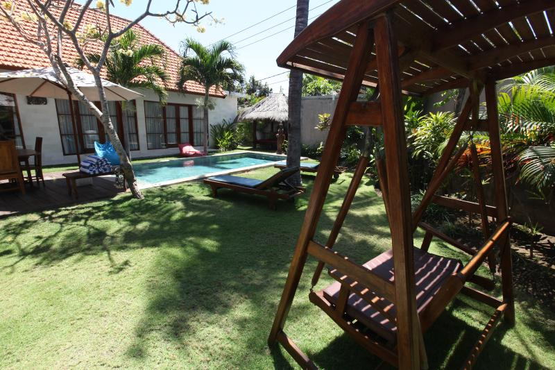Garden view with swing and private pool - Beautiful 3 Bedroom Villa in the heart of Sanur - Sanur - rentals