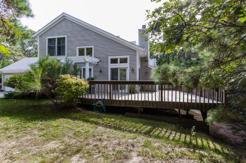 SAVAJ - Tashmoo Cove Townhouse, Association Pool, Association Tennis Courts. - Image 1 - Vineyard Haven - rentals