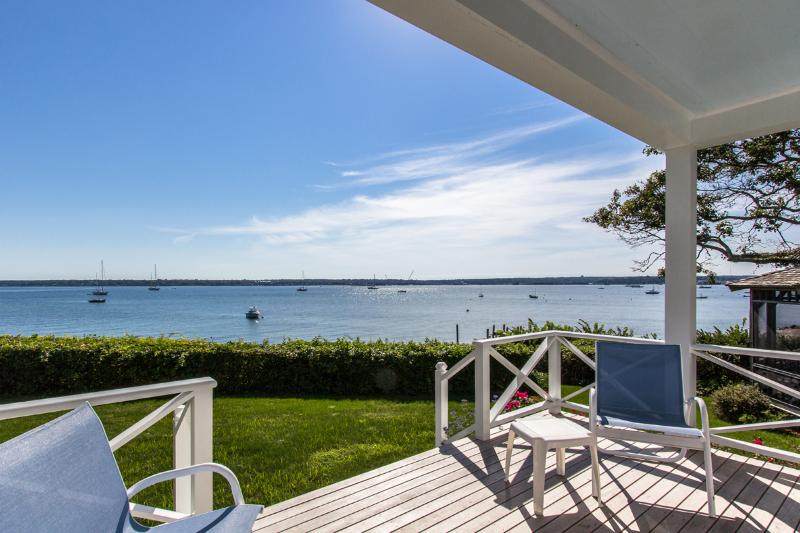 Waterfront West Chop, Vineyard Haven - DAVIH - Outer Harbor Waterfront, Private Sandy Beach, Lush Gardens and Large Yard, Magnificent Waterviews - Vineyard Haven - rentals