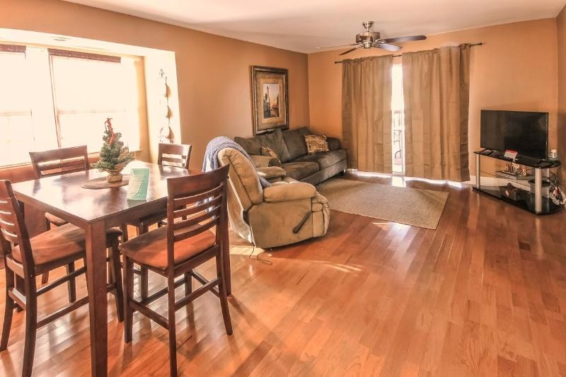 Branson Condo Rental | Eagles Nest | Indian Point | Silver Dollar City | Pool (3010601) - Image 1 - Branson - rentals