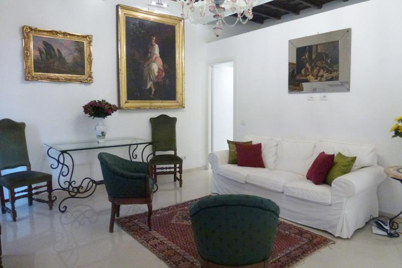 Bright living room - Perfect Spacious Sophisticated Spanish Steps - Rome - rentals