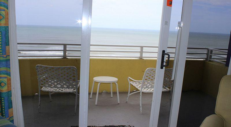 Room 1105 - 1 BR Ocean Front - Image 1 - Daytona Beach - rentals