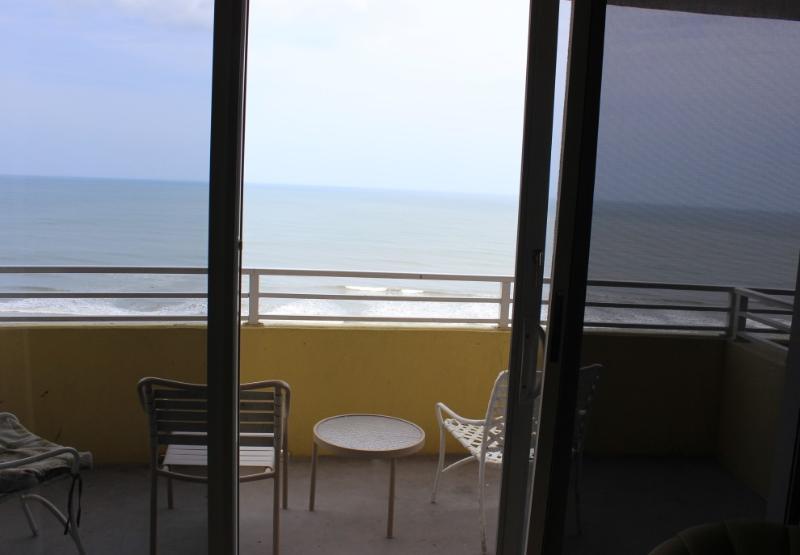 Room 1409 - 1 BR Ocean Front - Image 1 - Daytona Beach - rentals