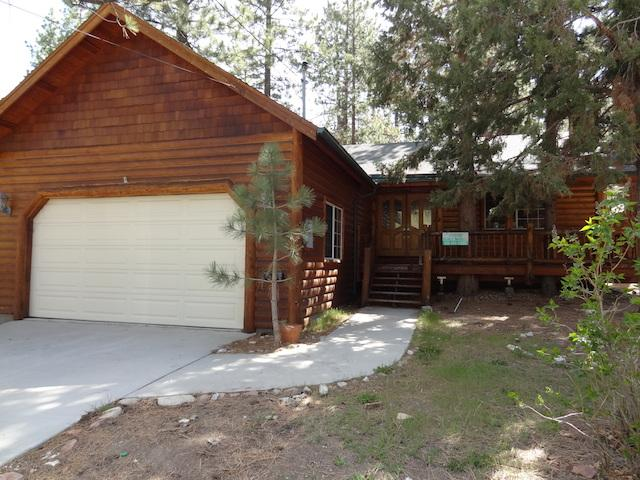 Alluring Pines with Hot Tub - Image 1 - Big Bear Lake - rentals