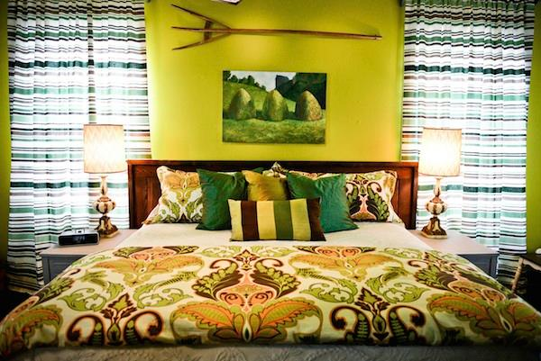 Green Acres Bedroom with premium King Size Bed, linens and pillows - Delta Bohemian Guest House - Clarksdale - rentals