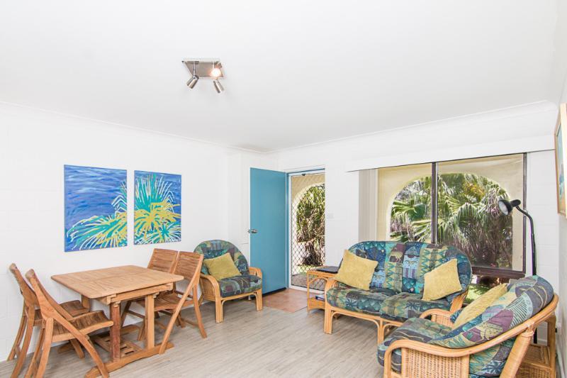 Villa Manyana Unit 28 - Image 1 - Blueys Beach - rentals